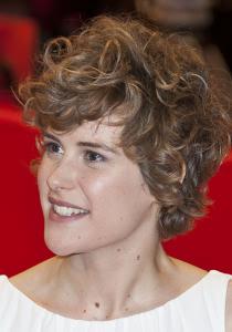 Carla Juri nude