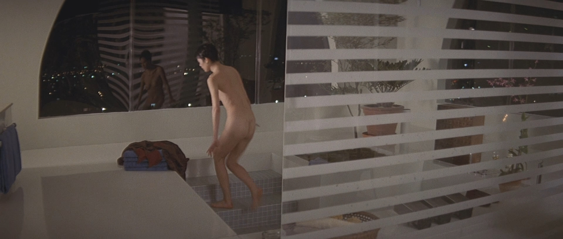 Naked ariane Ariane Saint